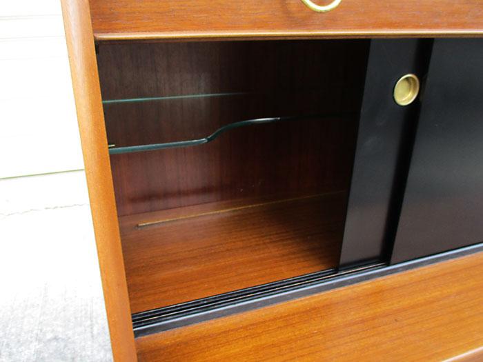 G-plan トラー&ブラックサイドボード(sliding door)